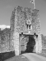 Farleigh Hungerford Castle - Gatehouse - Castles provided an early home for medieval churches